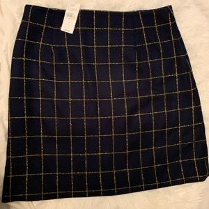 Loft fitted skirt size 4